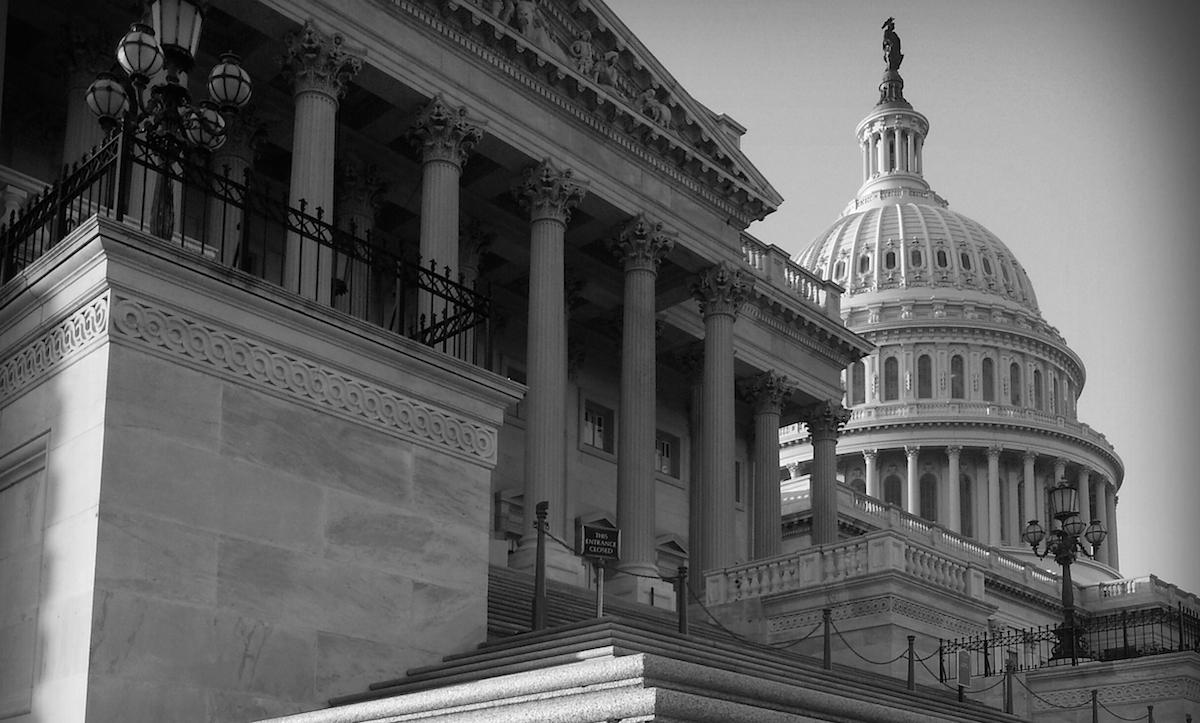 Congress seeks new rules on explosive fertilizer