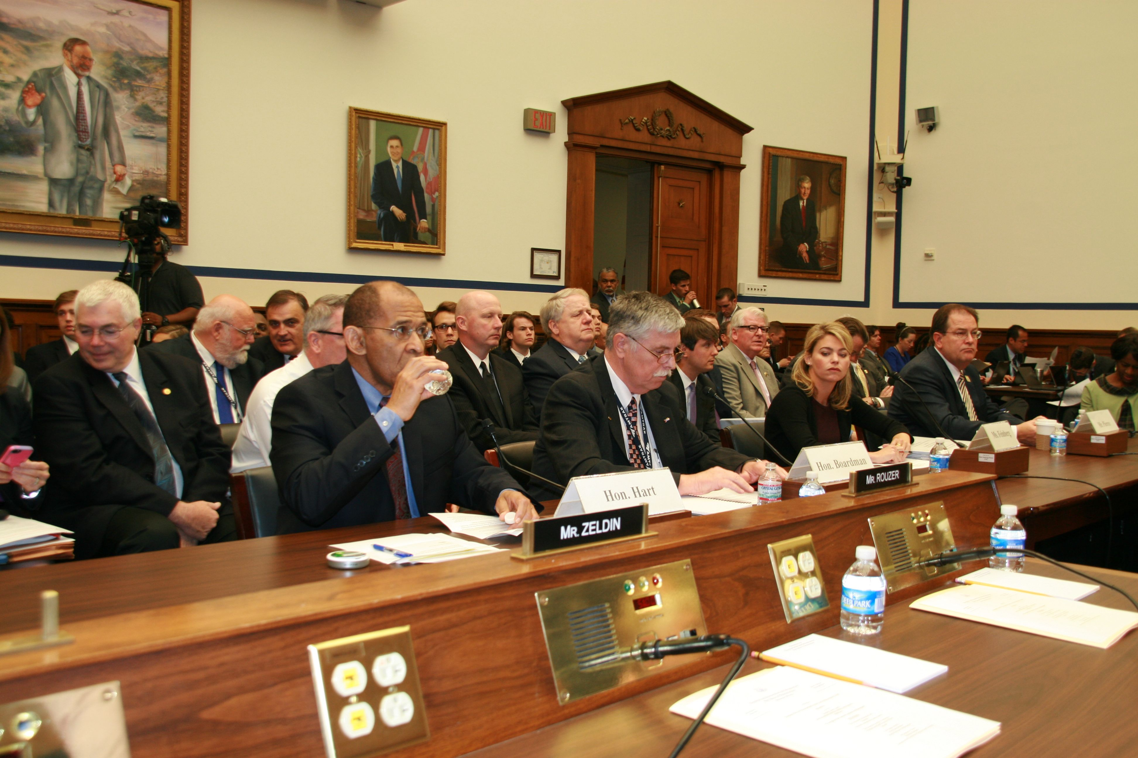 First congressional hearing after Amtrak accident yields few answers