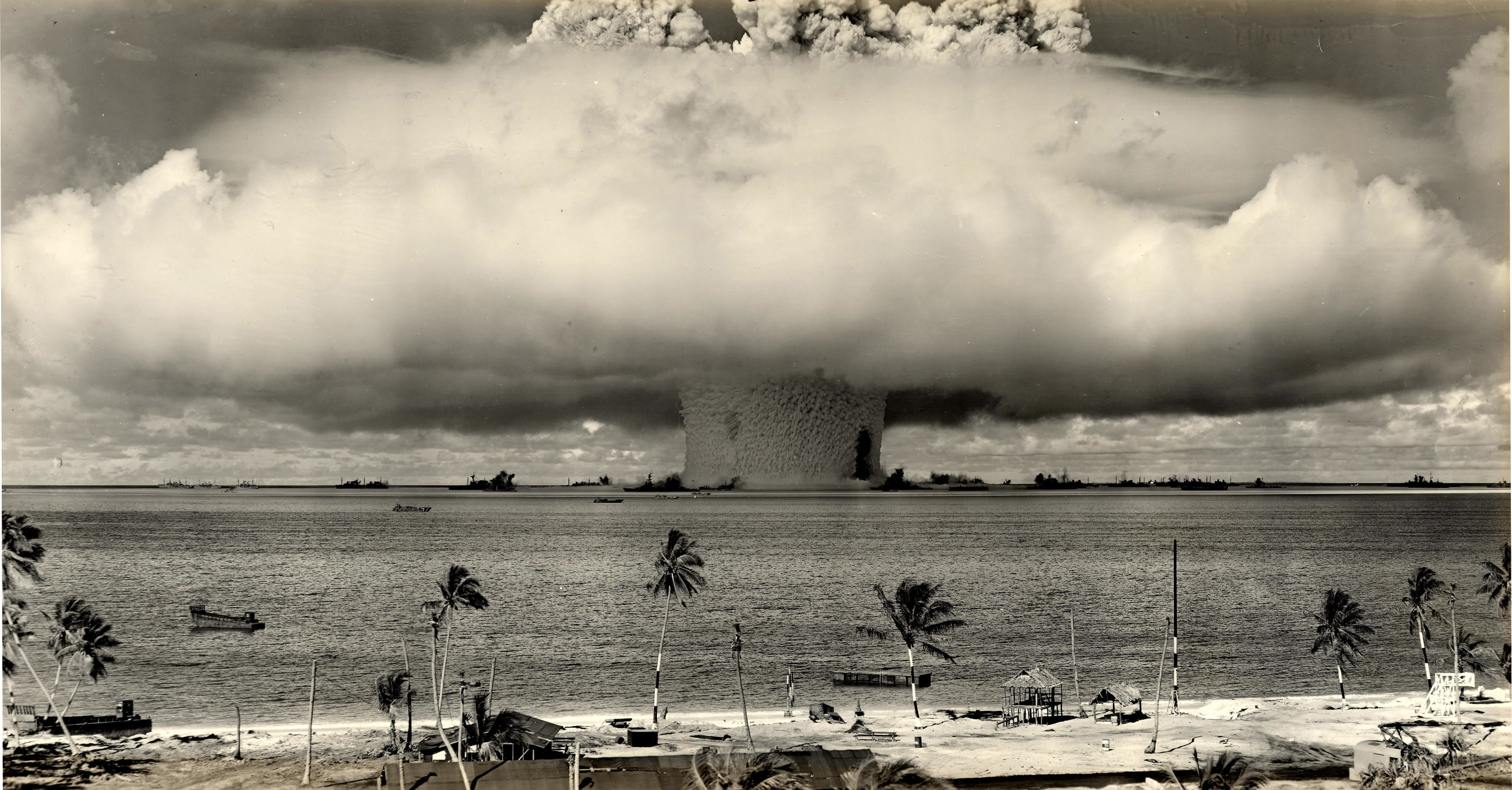 Now Would Be a Pretty Good Time To Launch a Nuclear Attack on Russia