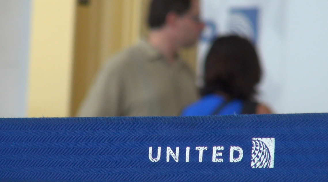 United Airlines shut down after computer glitch
