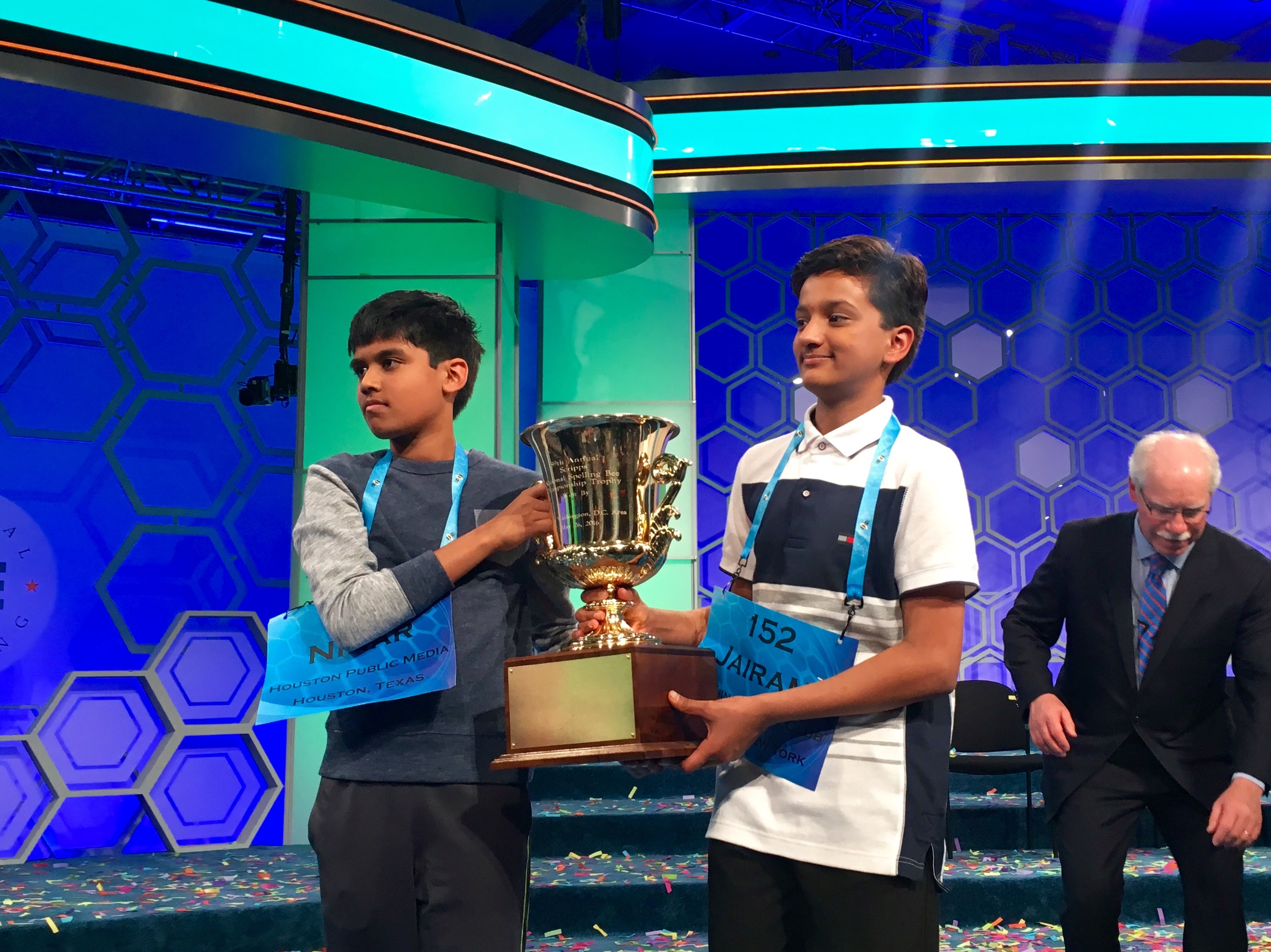 National Spelling Bee ends with a draw for third year straight (Chinese)