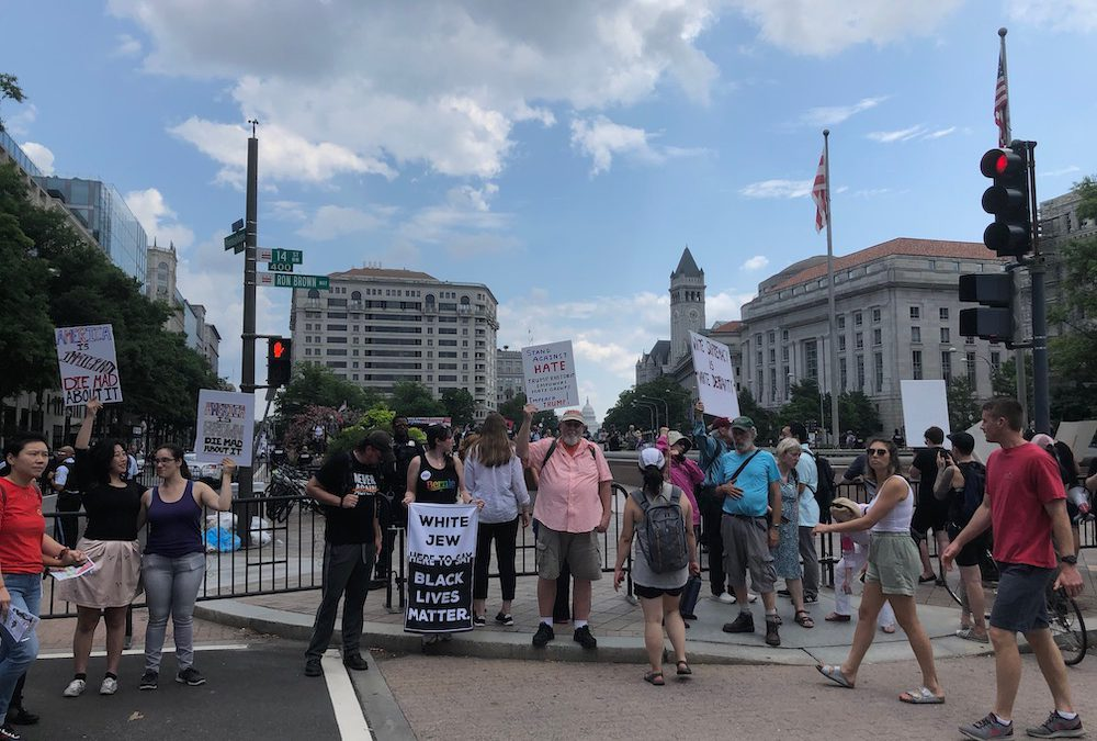 Right and left wing groups hold competing DC rallies
