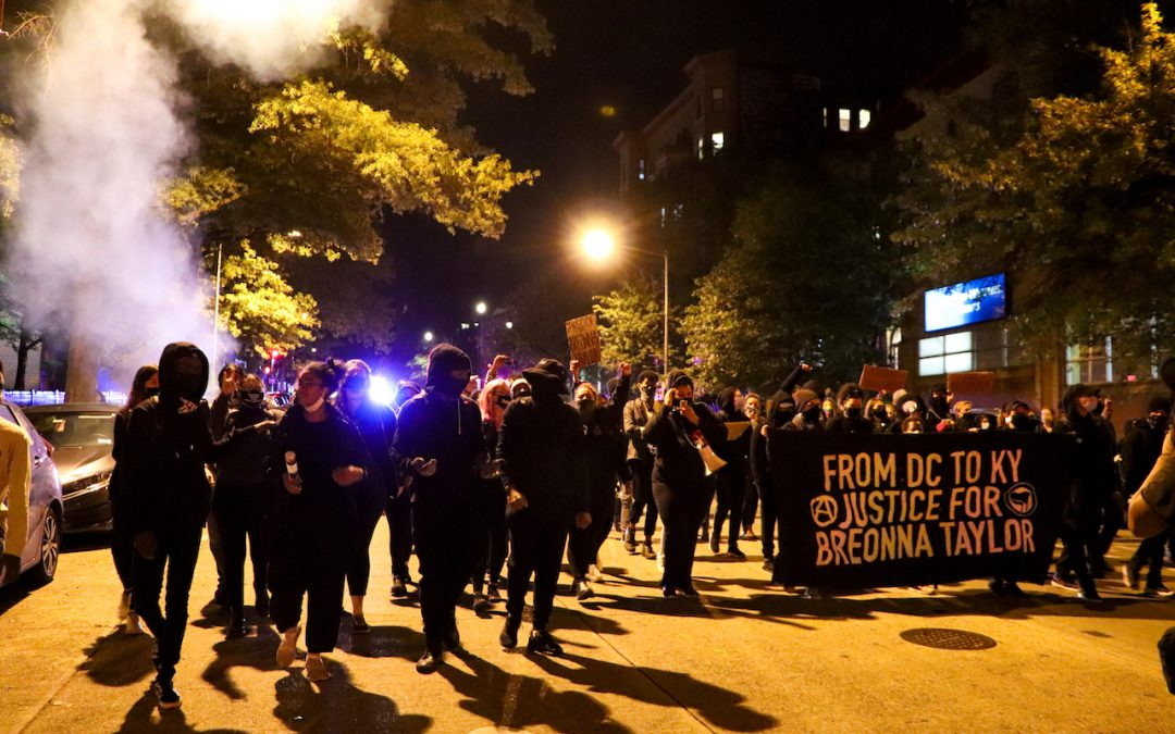 Protesters in DC anticipate grand jury decision of Breonna Taylor